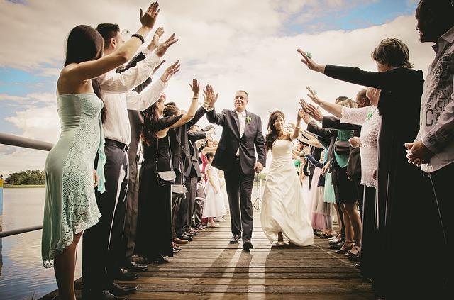 bride-2470855_640