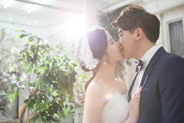 couple-2987453_640