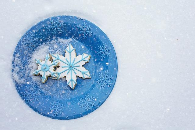 snowflake-cookies-3084967_640