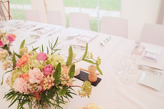 wedding-837409_640